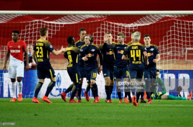 Leipzig celebrate Timo Werner's goal from the spot. | Photo: Pascal Della Zuana/Icon Sport.