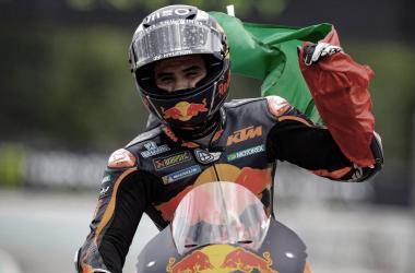 MIguel Oliveira celebrando la victoria en Montmeló / Fuente: MotoGP