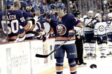 Barzal, la estrella del futuro de los Islanders