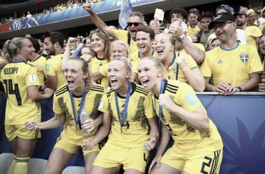Suécia resolve no primeiro tempo, bate Inglaterra e conquista terceiro lugar