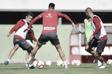 Jugadores en un entrenamiento. Fotografía: Rayo Vallecano S.A.D