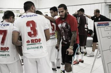 Jael contundiu tornozelo em partida contra o América Mineiro, na 25ª rodada. Desde então, viu do departamento médico o JEC subir e ser campeão (Foto: Divulgação/JEC)