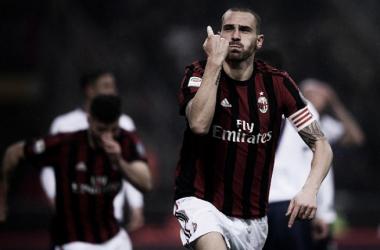 Primeiro gol de Bonucci e centésimo jogo de Bonaventura: Milan vence Crotone em casa