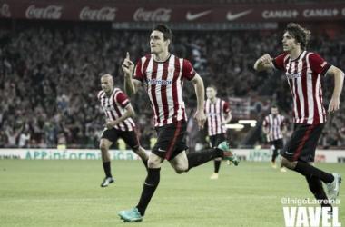 Artiz Aduriz celebrando un gol. Foto: Inigo Larreina (VAVEL)