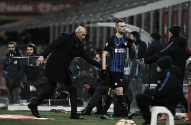 """Spalletti minimiza reação do meia Brozovic ao ser substituído em empate da Inter: """"É normal"""""""