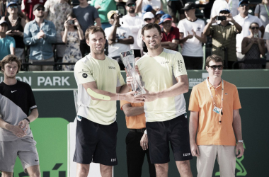 Bob and Mike Bryan celebrate their fifth Miami Open title (Photo: @MiamiOpen)
