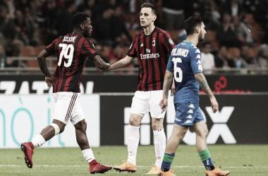 Milan pressiona, mas tropeça contra Sassuolo em casa