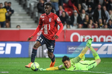 Bissouma scores against FC Metz in last season's Ligue 1 campaign.