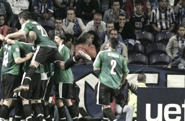 Jugadores del Petrzalka celebran el tanto de la remontada en Portugal | Fotografía: FC Petrzalka