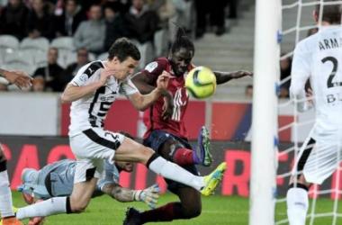 Eder avait pourtant ouvert le score de la semelle et par la même occasion, marqué son premier but chez les Dogues. (AFP)