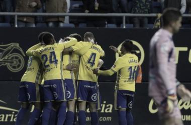 Los jugadores del Cádiz celebran el gol de Kecojevic | Foto: LaLiga