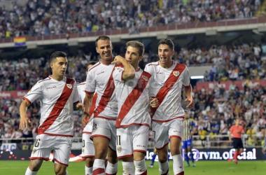 Los jugadores del Rayo Vallecano celebran uno de los goles frente al Cádiz. Foto: Rayo Vallecano