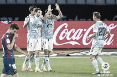 Los jugadores del Celta celebrando el gol de Solari. | Foto: La Liga.