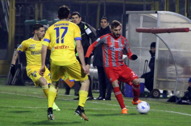 Serie B - Il Frosinone pareggia di rimonta contro la Cremonese, finisce 2-2