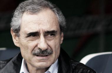 """Ángel Cappa: """"Pastore está mal utilizado como mediocampista izquierdo"""""""