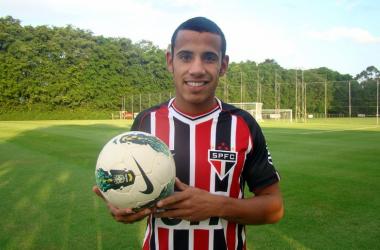 No lugar de Luis Fabiano, garoto de 18 anos herdará vaga no time titular