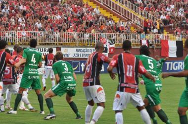 Joinville e Chapecoense empatam no clássico catarinense
