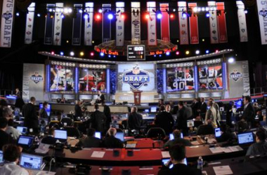 Comparing the Experts Mock Draft