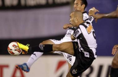 Olimpia venció a Atlético Mineiro como local y se encamina a ser el mejor de América