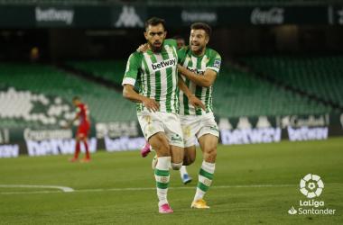 Borja Iglesias y Ruibal en la celebración del gol (1-0) | Foto: LaLiga