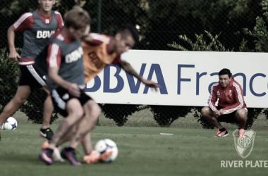 Gallardo analiza resguardar jugadores para evitar lesiones. FOTO: Prensa River.