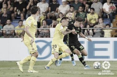 Álex Moreno, entre los tres jugadores de la Liga que mejor resuelven los duelos ofensivos