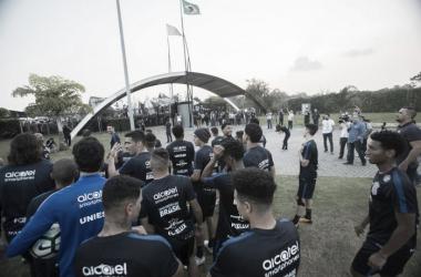 Com presença da Fiel, Corinthians encerra preparação visando clássico contra Palmeiras