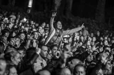 Miles de personas se congregaron en la edición anterior del festival ilicitano | Foto: Carla Del Ramo, Elche Live