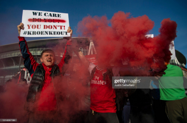 <div>Arsenal v Everton - Premier League</div><div><br></div><div>LONDON, ENGLAND - APRIL 23: Arsenal fans protest against the European Super League and Owner Stan Kroenke outside the stadium prior to the Premier League match between Arsenal and Everton at Emirates Stadium on April 23, 2021 in London, England. Sporting stadiums around the UK remain under strict restrictions due to the Coronavirus Pandemic as Government social distancing laws prohibit fans inside venues resulting in games being played behind closed doors. (Photo by Justin Setterfield/Getty Images)</div>