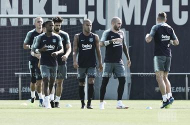 Entrenamiento de los jugadores disponibles del primer equipo en la Ciutat Esportiva Joan Gamper | Foto de Tomás Rubia, VAVEL