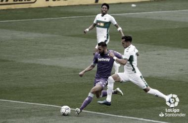 Borja golpeando el esférico | Foto: La Liga