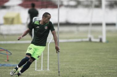 Doriva poderá contar com Derley diante do Botafogo, mas Néris segue de fora