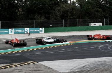 """Nico Rosberg: """"Vettel comete demasiados errores"""""""