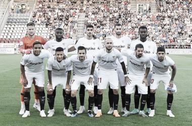 La plantilla del Sevilla ante el Olomouc. Foto: Sevilla FC.