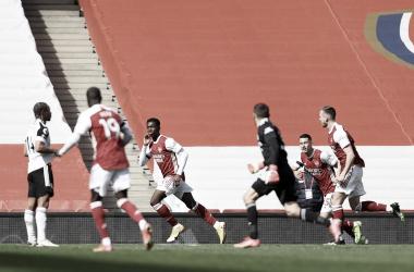 Nketiah igualó el partido en el minuto 97. / Foto: @OfficialFPL