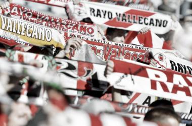 Aficionados con sus banderas. Fotografía: Rayo Vallecano S.A.D