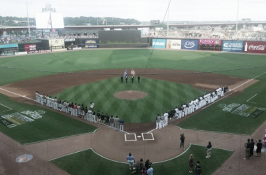 The teams line up for the national anthems before the game (Stevie Larson/VAVEL USA)