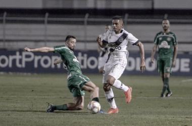 Chapecoense goleia Ponte Preta e assume liderança da Série B