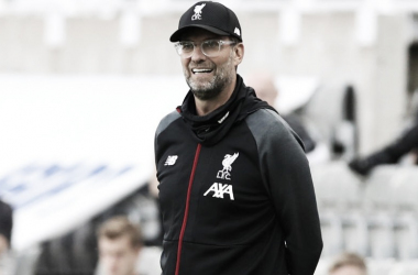 Klopp se diz '100% satisfeito' com temporada histórica do Liverpool na Premier League