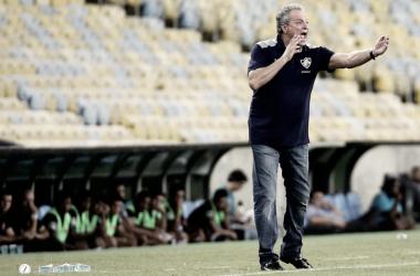 Abel Braga demonstrou descontentamento com torcida tricolor após partida desta quarta (Foto: Divulgação/Fluminense)