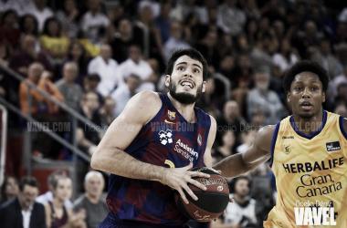 Álex Abrines en un contraataque FC Barcelona - Herbalife Gran Canaria / Foto: Noelia Déniz (VAVEL)