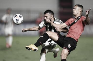 Atlético-GO se mantém vivo na Sul-Americana ao empatar com Libertad