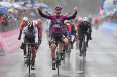 Ackermann batte Gaviria allo sprint sotto il diluvio di Terracina Fonte foto: Profilo Twitter Giro d'Italia