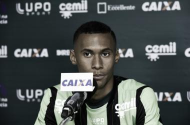 """Ademir é apresentado no América-MG e chega confiante: """"ajudar o time a conquistar os objetivos"""""""