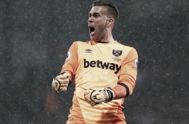 Adrián sólo sumo minutos en la Carabao Cup   Foto: Premier League.