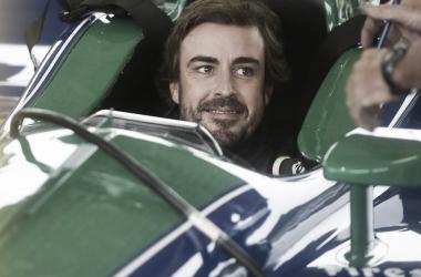 La llegada de Alonso a la IndyCar, en punto muerto