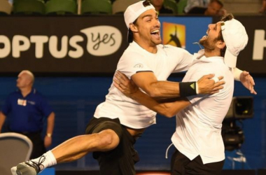 Fabio Fognini (left) and Simone Bolelli celebrate winning the 2015 Australian Open title/Photo: AFP