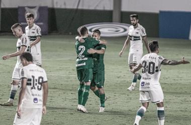 Em jogo decidido no fim, Coritiba busca empate nos acréscimos diante do Goiás