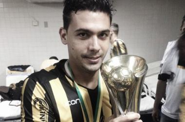 Zagueiro permanece no clube carioca até o fim da Série C de 2017 | Foto: Divulgação/Volta Redonda F.C.