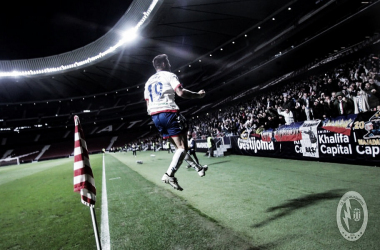 Ruibal celebrando su gol con la aifición. Fotografía: Rayo Majadahonda